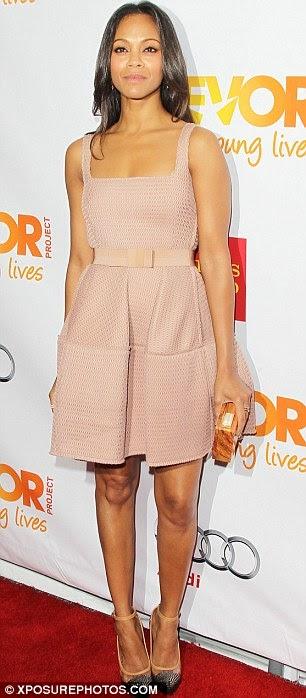 Who Rocked the Gown better -Kim Kardashian Vs Zoe Saldana