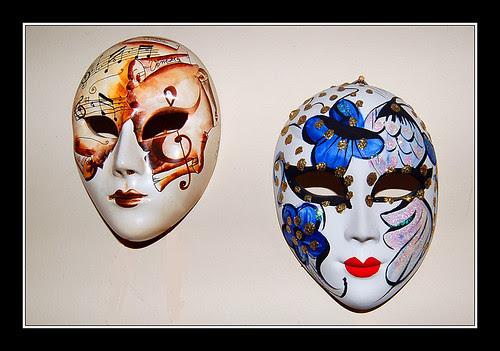 Capilla Serrana · Pequeñas máscaras venecianas