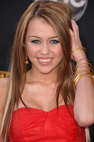 red and blonde highlights in brown hair. golden londe highlights.