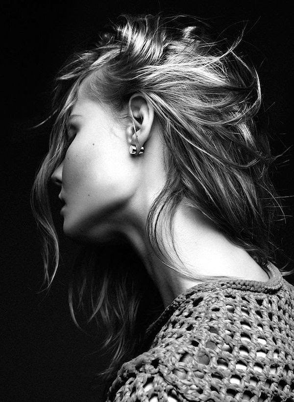 Le Fashion Blog Magdalena Frackowiak Jewelry Summer Beauty Ring Set Wavy Hair Open Knit Sweater Chunky Stud Earrings photo Le-Fashion-Blog-Magdalena-Frackowiak-Jewelry-Summer-Beauty-Ring-Set-Wavy-Hair-Open-Knit-Sweater-Chunky-Stud-Earrings.jpg