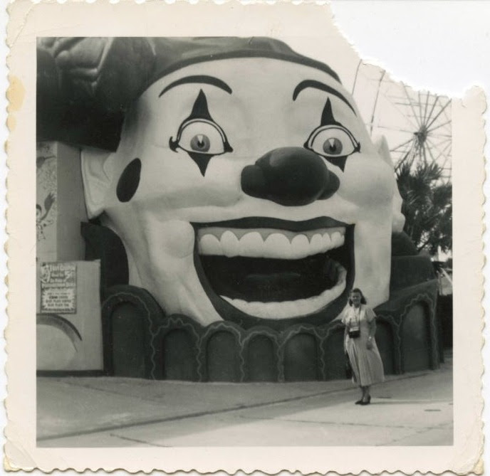 Anon / Vintage snapshot /  50s / clown