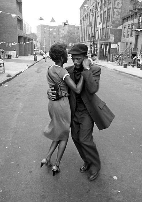 theniftyfifties:  Dancers in Mott Haven, The Bronx, August 1956. Photo by David Gonzalez.
