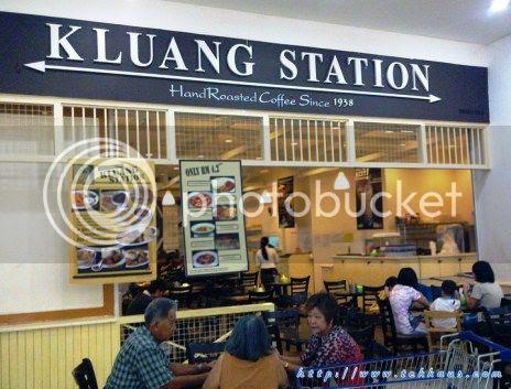 photo 01KluangStationServesTheBestNasiLemak_zps1614bc46.jpg