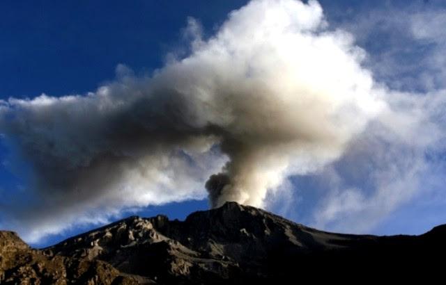Volcán Ubinas de Perú mn2
