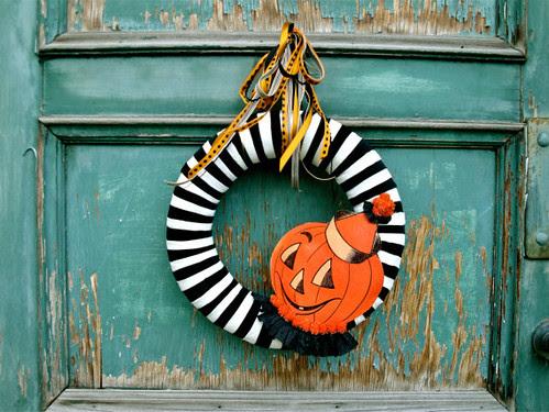 1 - Halloween Wreath by thechicadeeshop