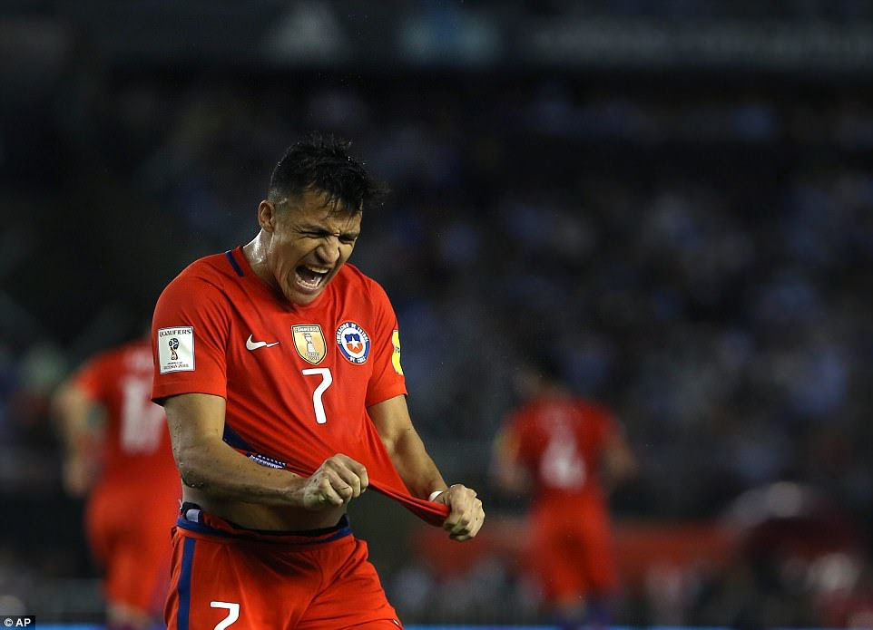Sánchez da rienda suelta a su ira tras el pitido final como Chile caer al sexto lugar en la tabla después de su lado sufrió la derrota