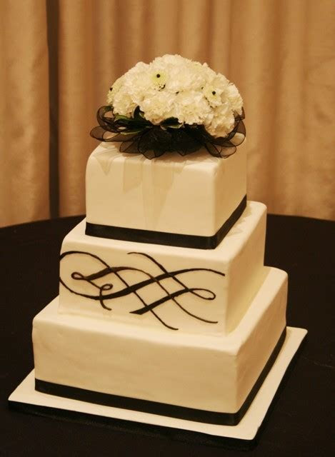 Denver, CO Wedding Cakes Call to Schedule your free