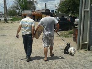 Motorista e cães de estimação saíram ilesos (Foto: Aldo Matos/Acorda Cidade)