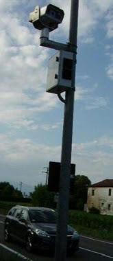 Telecamere memorizzeranno le targhe di tutti i veicoli che entreranno in paese