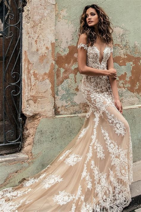 Lace Wedding Gown   The Lovely Find Wedding Dress