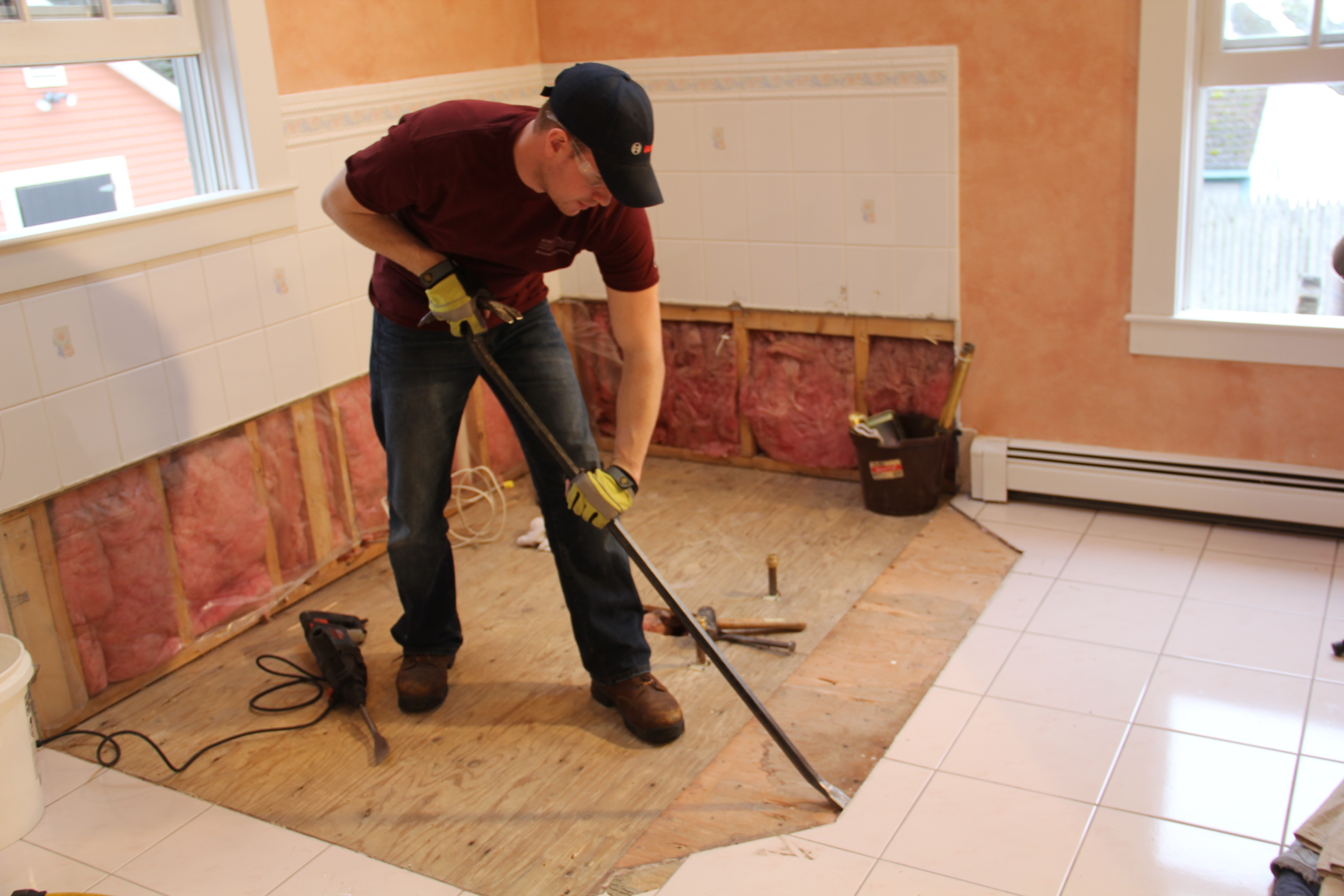 How To Remove A Tile Floor and Underlayment - A Concord ...