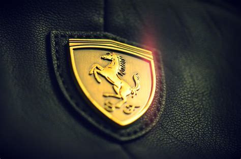 Wallpaper Golden, Ferrari, Logo, 4K, Automotive / Cars, #985
