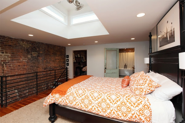 10 Amazing Bedrooms with Skylights (9).jpg