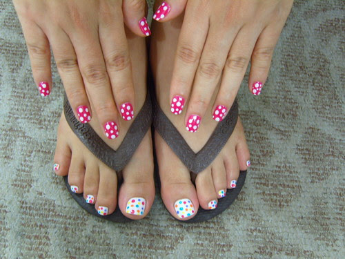 perfect combinations of nail art for toes and nails