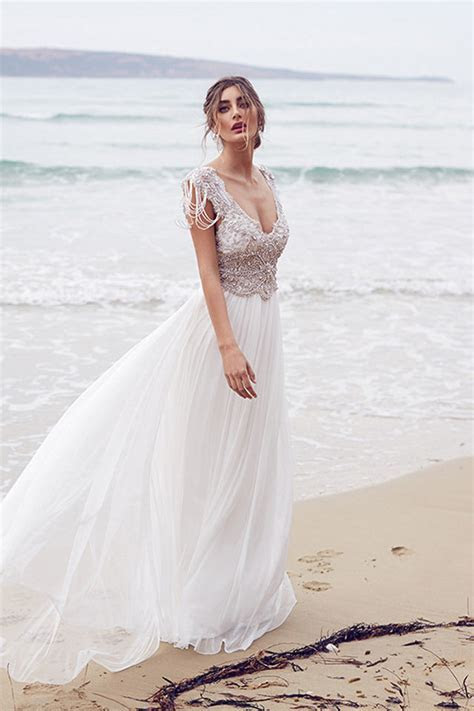 Laid back Wedding Dresses to Wear to Your Beach Wedding