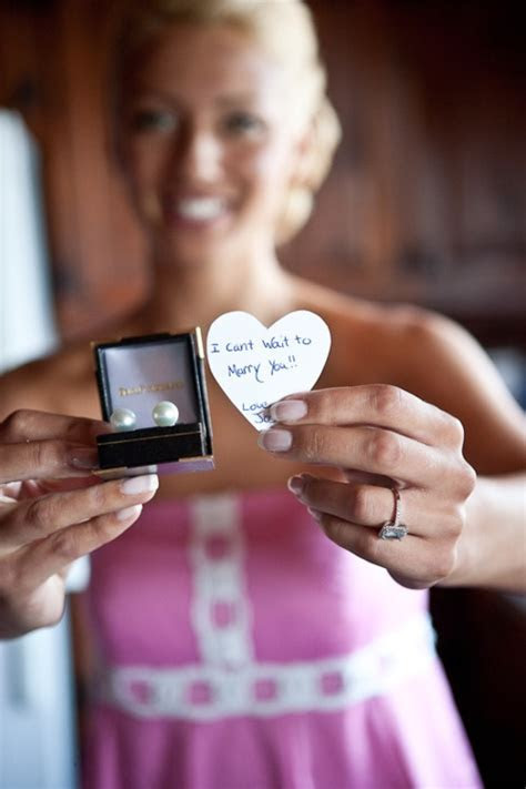 Wedding day gift from Groom to Bride! So Cute!   Wedding