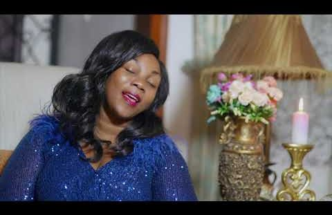 Download or Watch(Official Video) Madam flora - Wakati wake