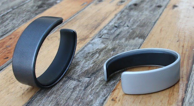 AIRO wristband keeps track of your eating, stress, exercise and sleep for overall health