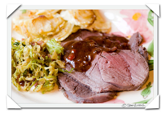 picture photograph image Venison with Redcurrant and Port, Potatoes Gratin and Savoy Cabbage with Bacon 2007 copyright of sam breach http://becksposhnosh.blogspot.com/