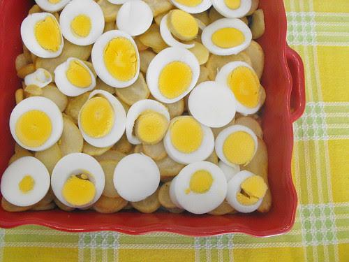 Bacalhau de cebolada com batatas fritas