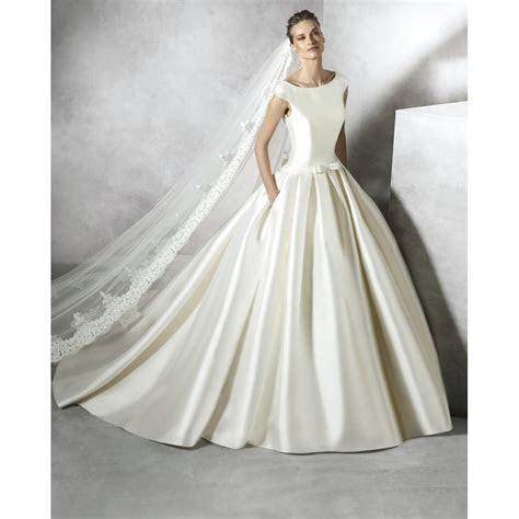 pronovias  collection pravina wedding dress