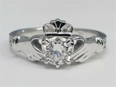 0.90 Carat Total Weight Round Diamond Claddagh Engagement