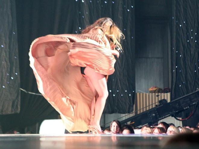 Голая марина майко на сцене