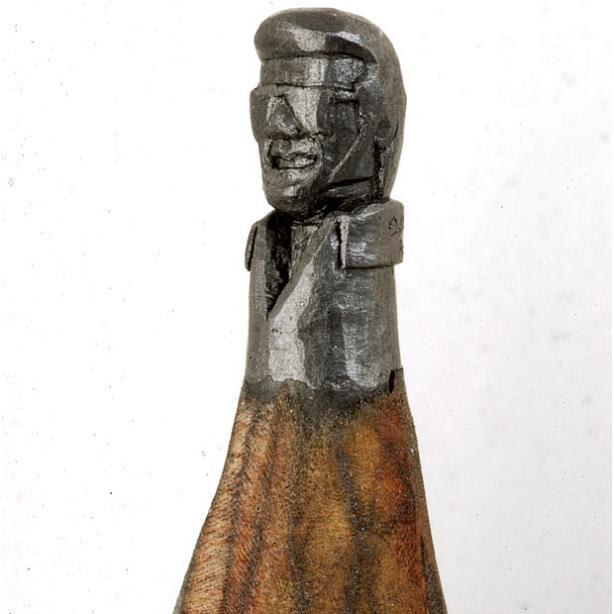 elvis-carved-onto-tip-of-pencil