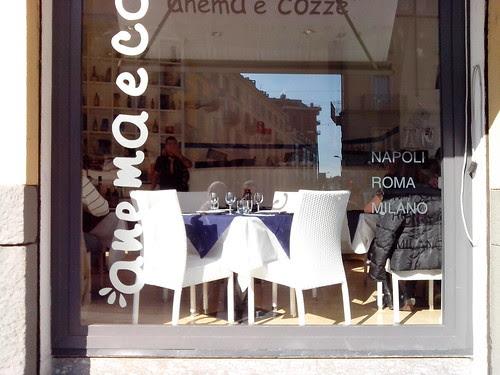 Anema e Cozze sul Naviglio Grande by Ylbert Durishti