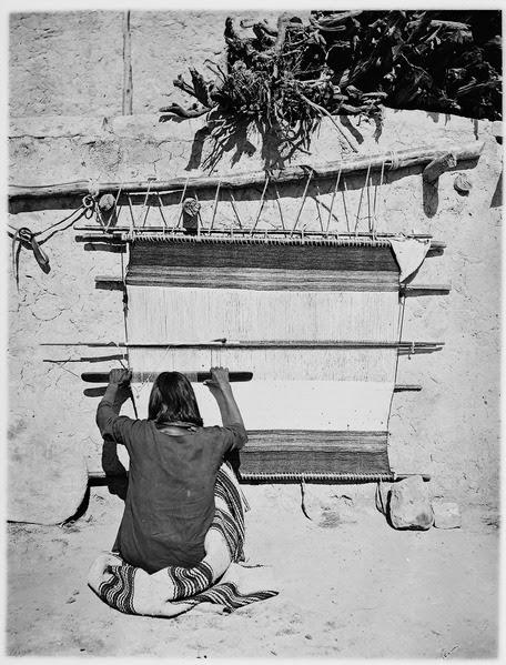File:Navaho woman weaving at loom - NARA - 523806.tif