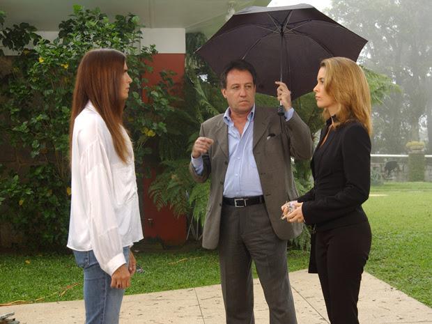 Buruca com Malu Mader e Claudia Abreu em cena da novela Celebridade (Foto: João Miguel Júnior/TV Globo)