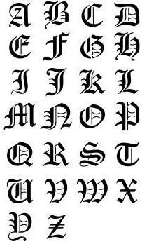 tatouage lettre gothique