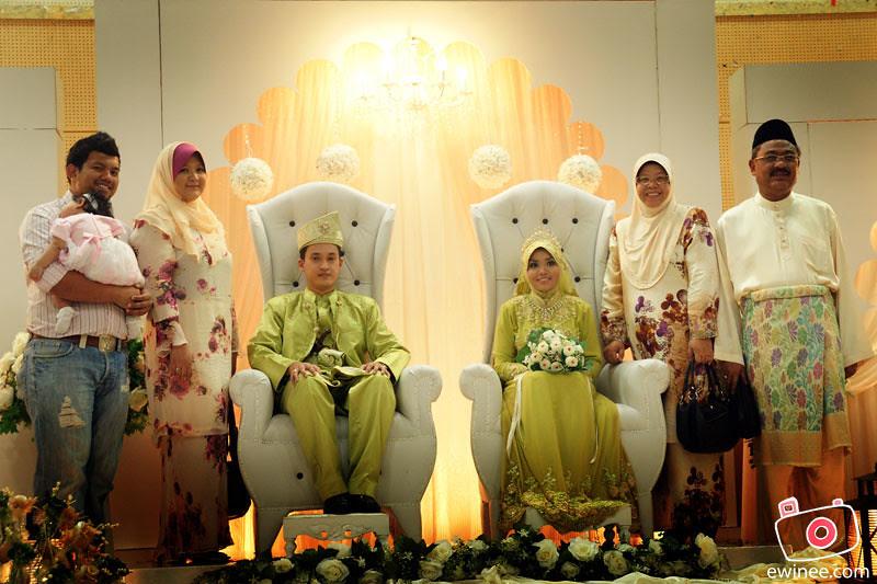 CHE-AZAHAR'S-WEDDING-MARCH-2011-TMN-IBU-KOTA-5