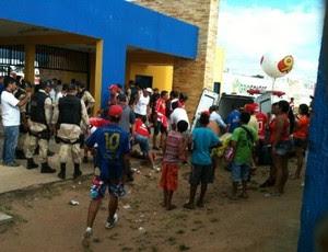 Torcedores foram baleados antes da partida entre América-RN e Ceará (Foto: Ricardo Silva)