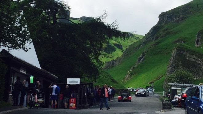 Peak District couple 'saved by selfie' at Winnats Pass