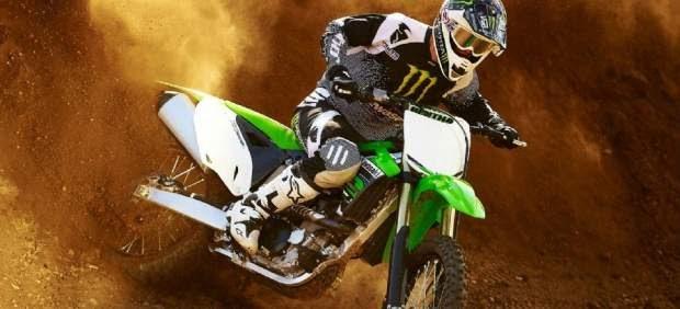 Motos: Nueva Kawasaki KX 450 F 2012, mejorada para los competidores