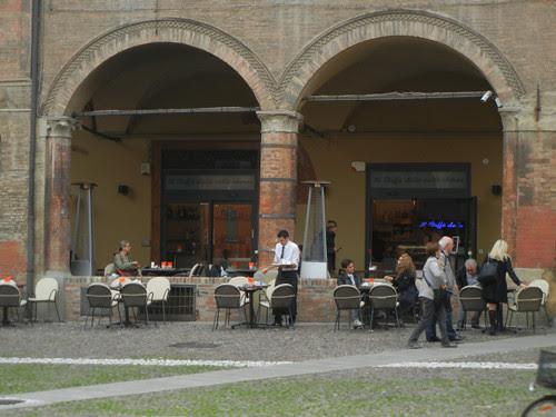 DSCN5011 _ Cafe in Piazza Santo Stefano