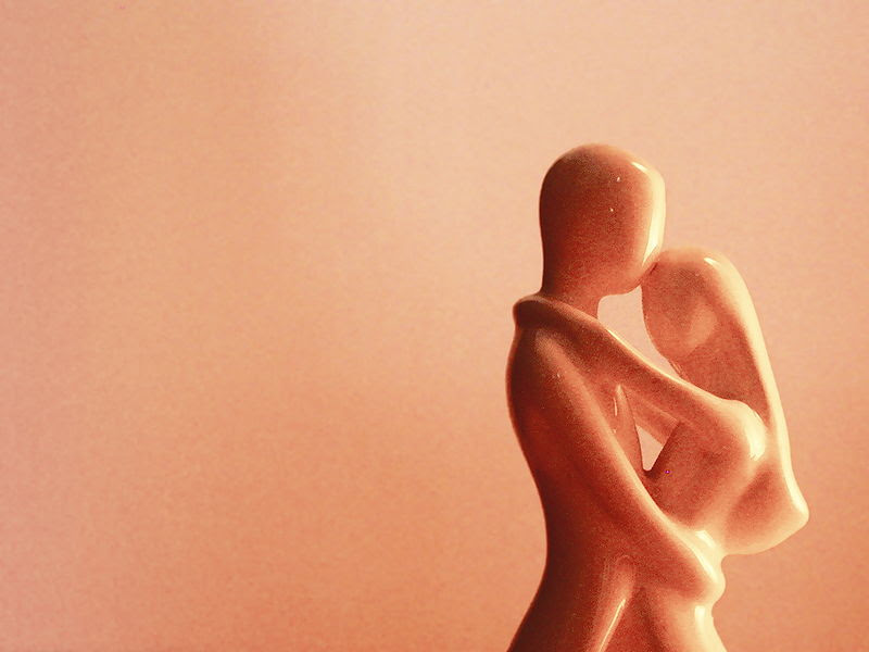 File:Waltzing together statue.jpg