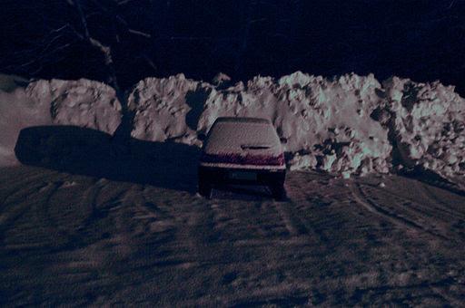 Wildbad kreuth uneingeschneites auto 06.01.2012 20-20-16.2012 20-20-16