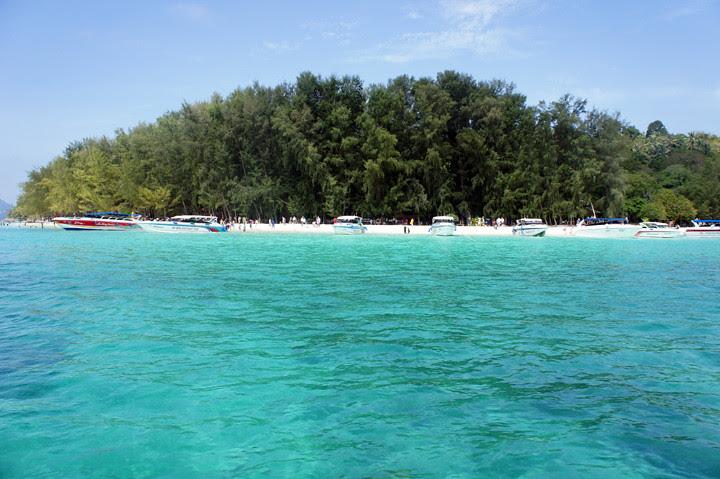 typicalben phi phi island 9