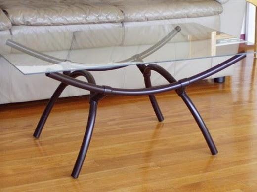 Стол с ножками из ПВХ