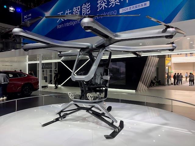 La start-up china de coches eléctricos Xpeng muestra un nuevo vehículo volador
