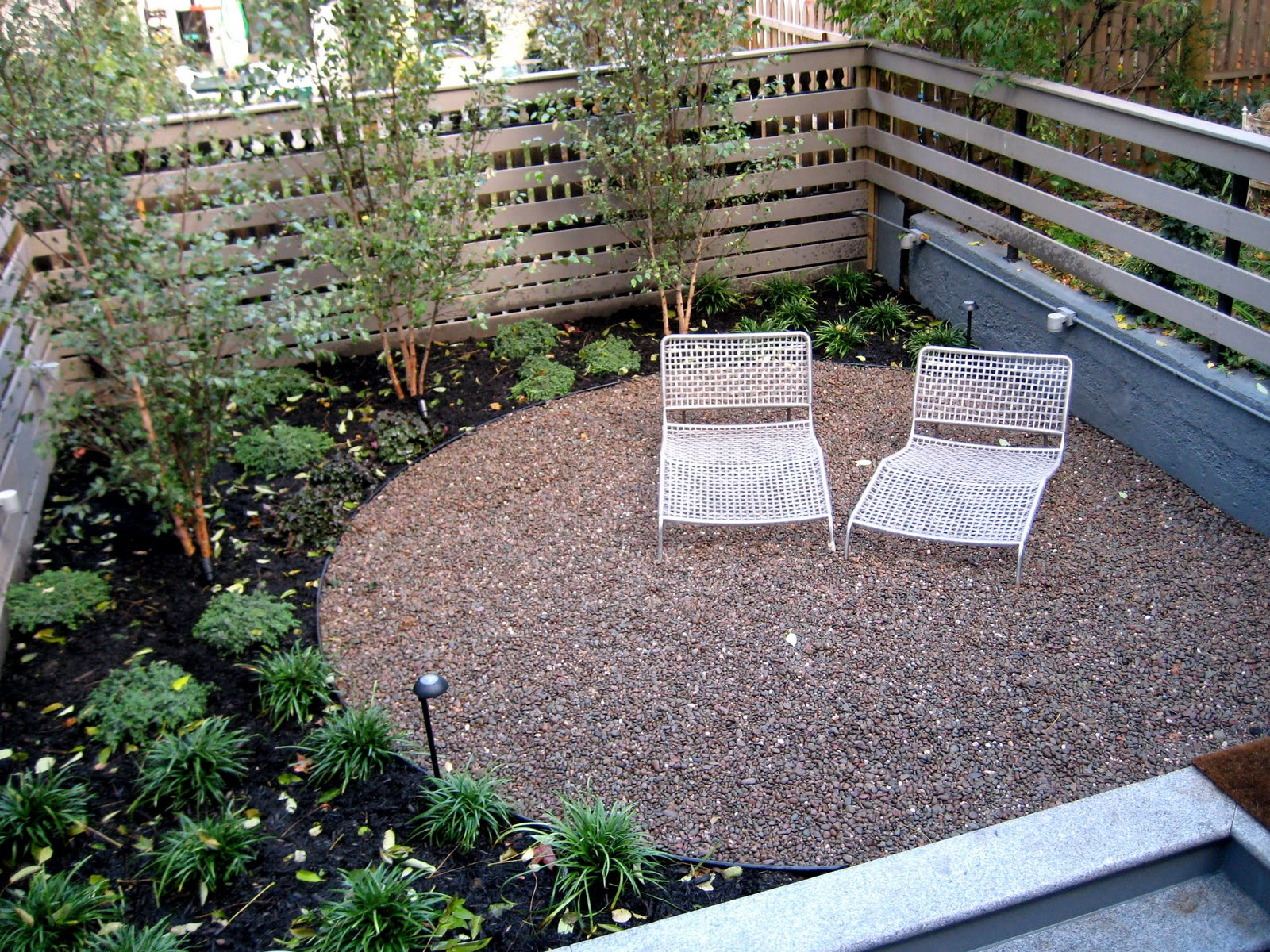 Secret Landscaping: Home landscaping designs using gravel ... on Pea Gravel Yard Ideas id=67299