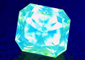 colored diamond with strong blue fluorescence
