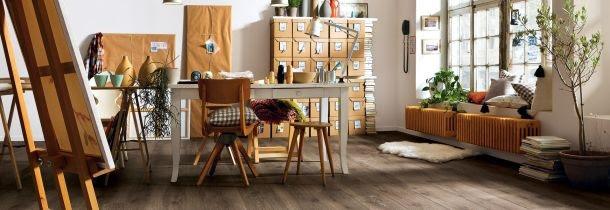 Wohnzimmer mit alten möbeln gestalten