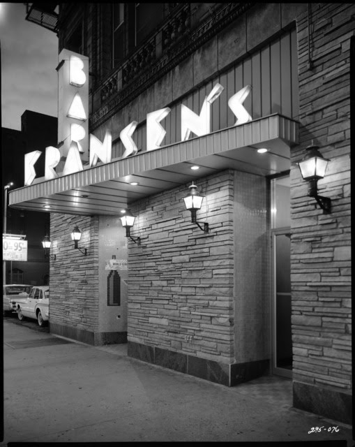 http://stuffaboutminneapolis.tumblr.com/post/111999034639/fransens-bar-16-north-sixth-minneapolis-1965