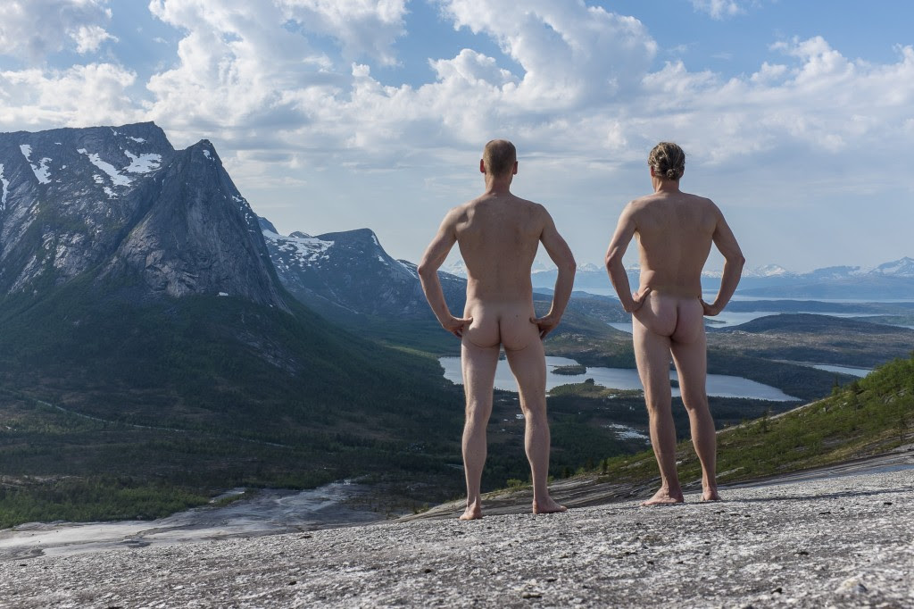 The first nude ascent of Verdenssvaet? Now let's see what social media has to say about this.