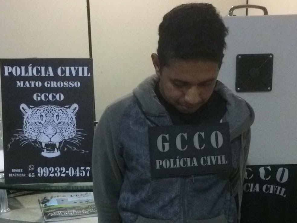 Suspeito de assalto a banco foi preso ao desembarcar em aeroporto com maleta que bloqueia alarme de agências (Foto: Polícia Civil de Mato Grosso)