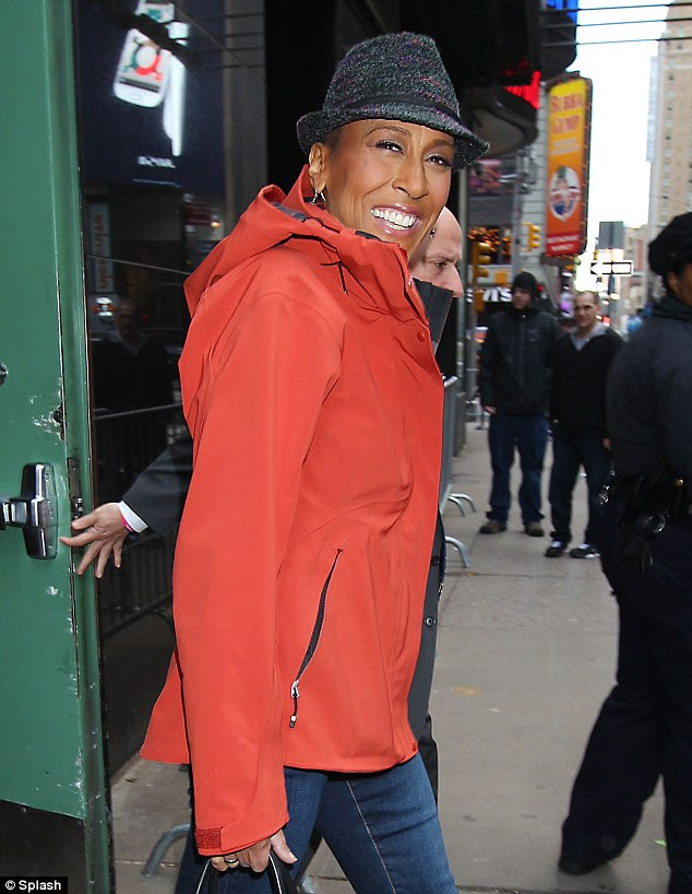 what is wrong with robin roberts arm