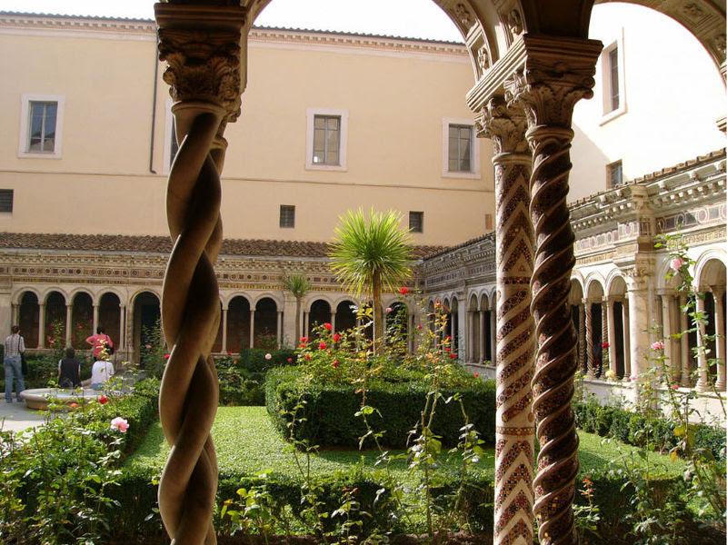 File:San Paolo fuori le mura (cloister) (2).jpg